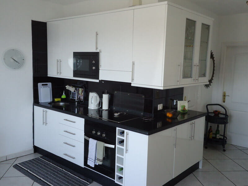 fred-and-sue-charter-kitchen-builders-tenerife-rad-interiors (1)