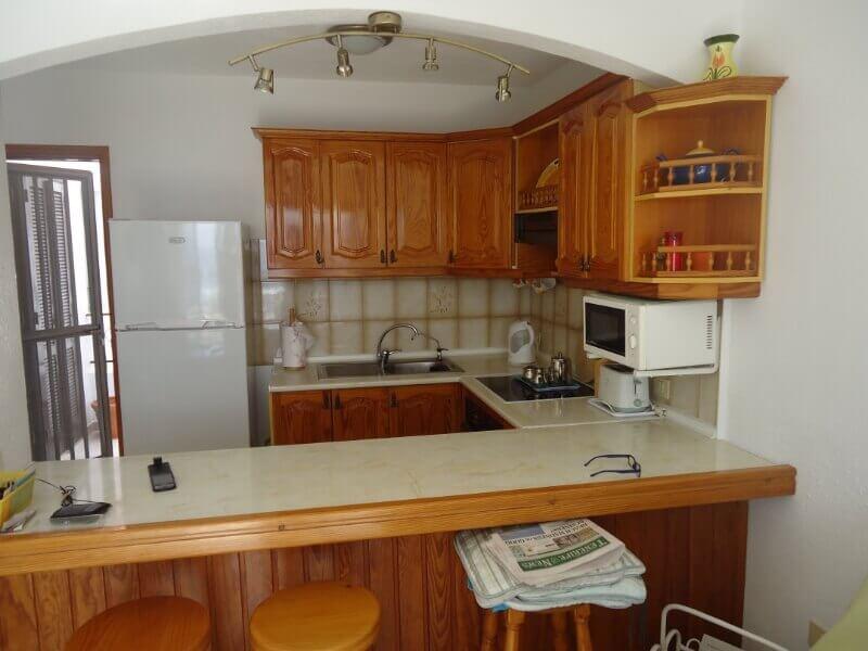 gordon-and-carole-short-kitchen-builders-tenerife-rad-interiors (5)