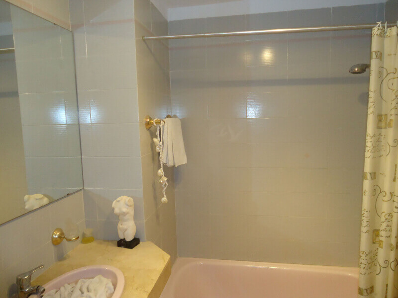 veronica-and-john-bulton-bathroom-builders-tenerife-rad-interiors (3)