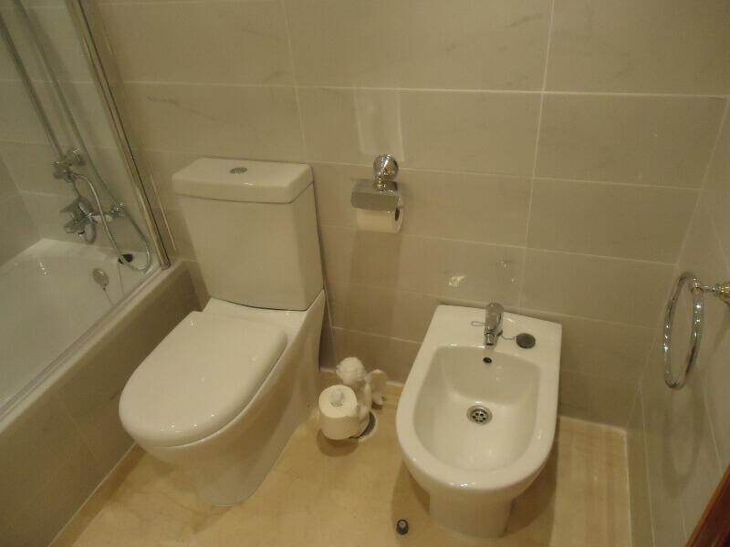 veronica-and-john-bulton-bathroom-builders-tenerife-rad-interiors (5)